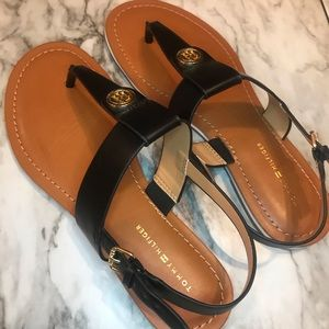 Tommy Hilfiger Black Bennia Flat Sandals, 7.5